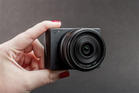 Kamera Olympus E1 meet e1 the world s smallest interchangeable lens