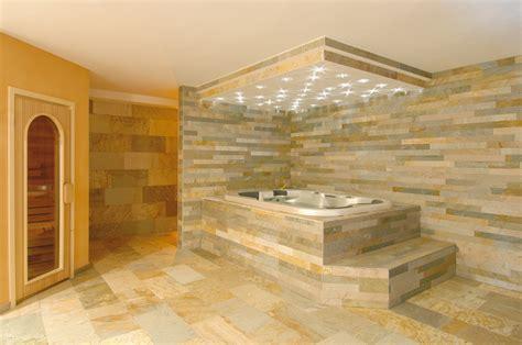 bagni con rivestimento in pietra rivestimento in pietra multicolor per interni