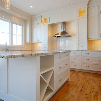 Delicatus Splendour Granite Countertops Design Ideas
