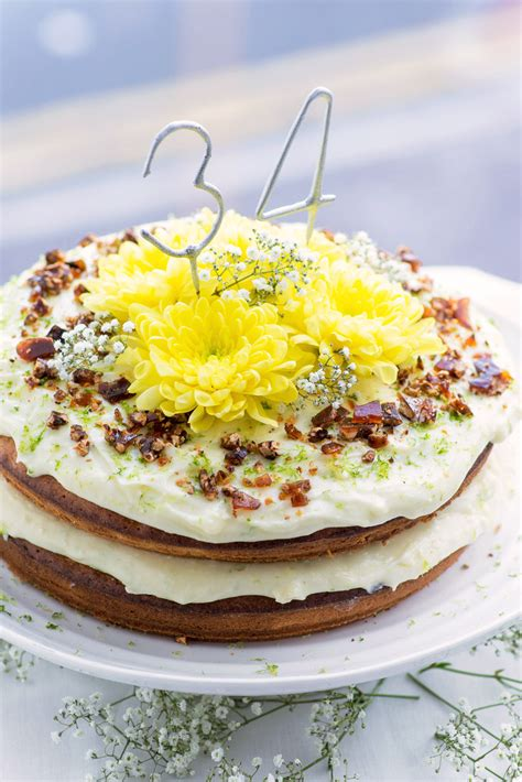jamie oliver comfort food recipes hummingbird cake from jamie oliver comfort food mondomulia