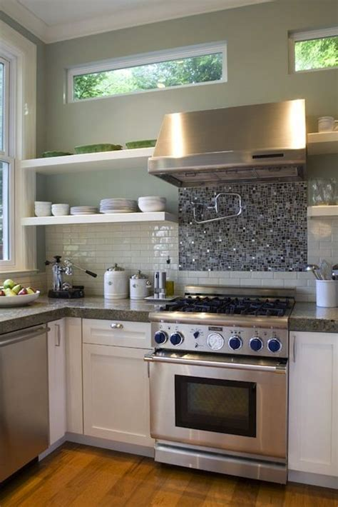 idea  glass tiles  stove   hood