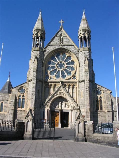 Sandycove Glasthule.com - Sandycove/Glasthule, Co. Dublin ... G Design