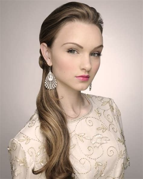 Wedding Hairstyles Low Side Ponytail by 101 Chic Side Swept Hairstyles To Help You Look Younger
