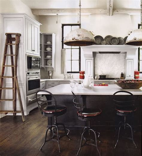 Kitchen Ladder by How To Decorate With Vintage Ladders 20 Ways To Inspire