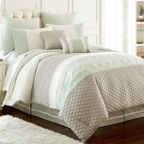 Bedroom Quilt Sets by 17 Best Ideas About Comforter Sets On