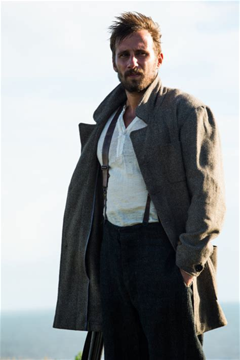 tom hughes far from the madding crowd far from the madding crowd 2015 frock flicks