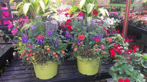 Flower Pot Arrangements For The Patio by Patio Pots Of Flowers Flower Arrangements In Pots