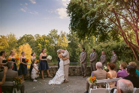 rich bell photography wedding at fall s cottage at reedy
