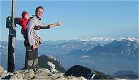 kindertrage ab wann kraxe oder tragetuch tipps zum wandern und bergsteigen
