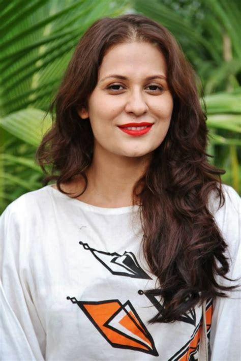 Nausheen Shah Drama List, Height, Age, Family, Net Worth