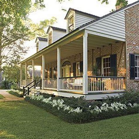 best 25 farmhouse landscaping ideas on pinterest farmhouse landscape lighting farmhouse deck
