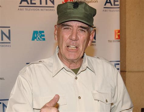 blond singers that died this week full metal jacket s r lee ermey dead watch his amazing