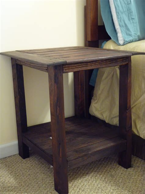Pallet Side Table White Tryed Side Table With Shelf Diy Projects
