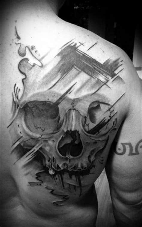 tatuagem caveira costas por westfall tattoo