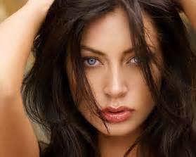 Free stock photo close up portrait of a beautiful brunette 5624