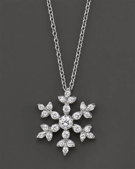 snowflake pendant necklace in 14 kt white gold