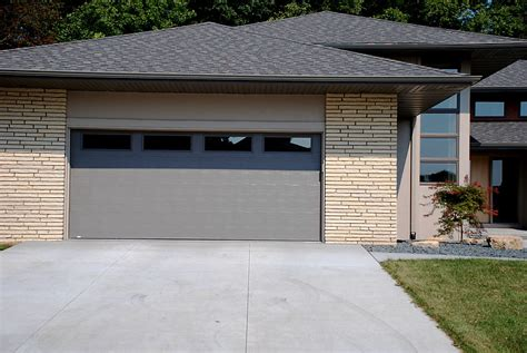 Overhead Door Company Cedar Rapids Overhead Door Co Of Cedar Rapids Iowa City Residential Garage Doors