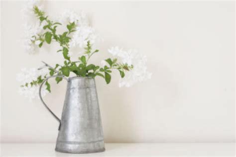vase mit blumen 4 kreative ideen f 252 r blumen vasen