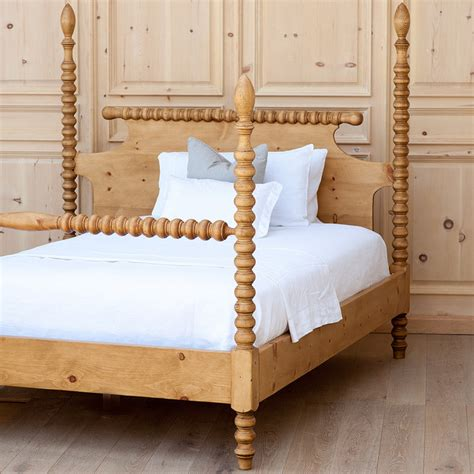 queen spindle bed spindle bed traditional beds charlotte by coach barn