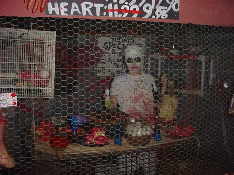 haunted house decorations our 2010 haunted house with ideas from instructables 5