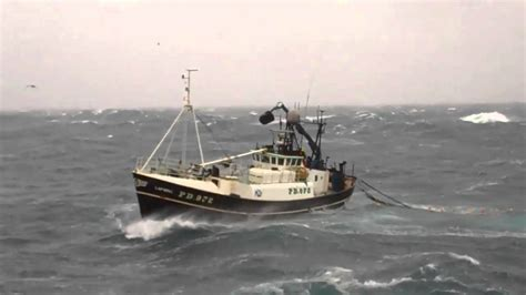 fishing boat caught in storm deadliest catch north sea storm youtube