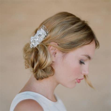 medium hair styles with barettes acconciature per le spose con i capelli corti
