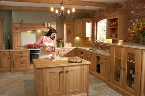 The Kitchen Experts Kitchen Cabinets And Doors Our Products Lacewood