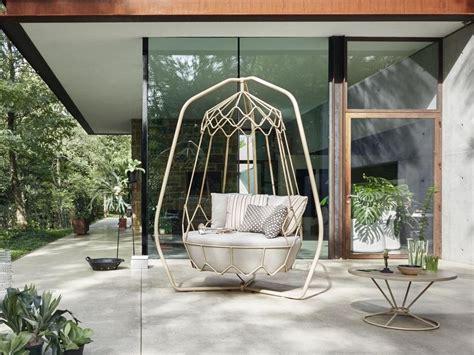 swinging garden sofa garden furniture from roberti rattan