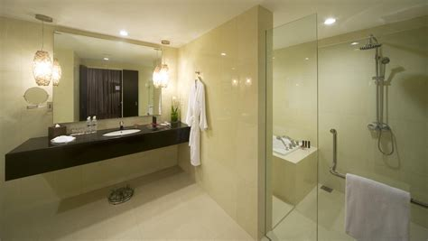 5 star bathroom pullman kuching premier suite bathroom