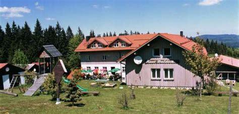 haus waldeck bayerischer wald wanderurlaub mit hund in deutschland hundehotel bayern