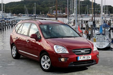 Kia Carens Parkers Kia Carens Estate Review 2006 2011 Parkers