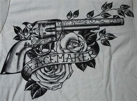 details zu peacemaker tattoo shirt gun colt revolver black