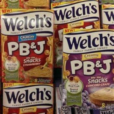 pb j fruit snacks pb j in a convenient snack 2014 02 03 prepared foods