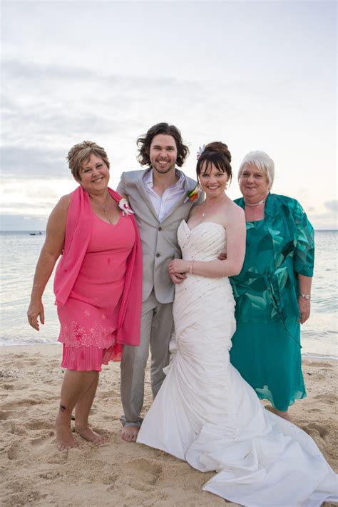 Wedding Hair And Makeup Island by Family Photo Green Island Wedding Tropical And