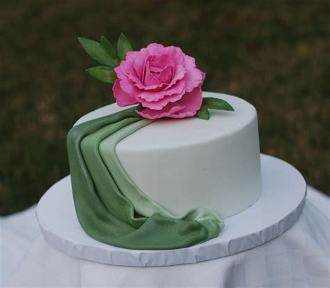 you to see fondant drape cake on craftsy