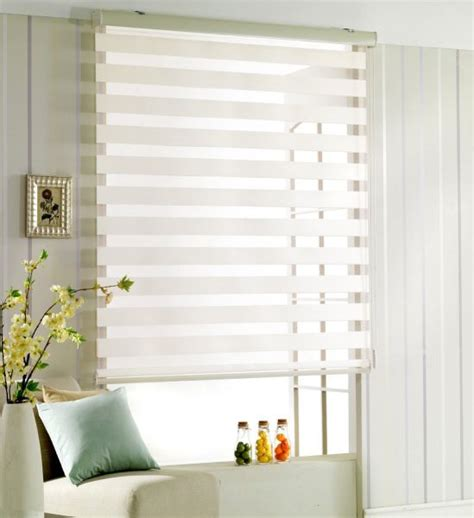 White Window Blinds How To Choose The Right White Wooden Venetian Blinds