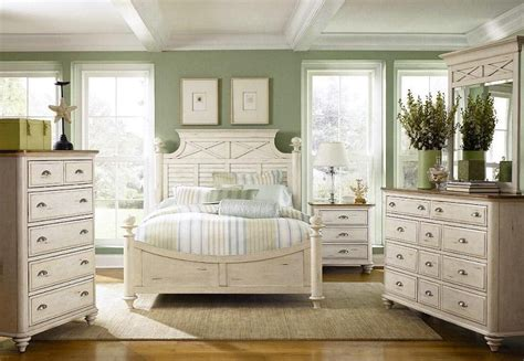 Distressed White Wood Bedroom Furniture white distressed bedroom furniture