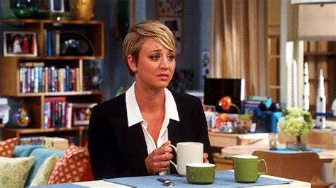 penny the big bang therey short hair penny from big bang theory looks like crap with her short