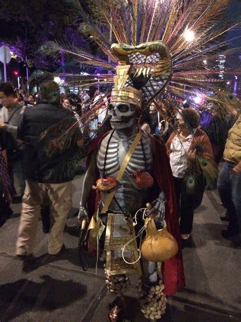 asi se puso el desfile de catrinas y catrines leyendasdevictoria almomento as 237 se vive el desfile de catrinas en el paseo