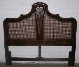 size headboard of carved wood