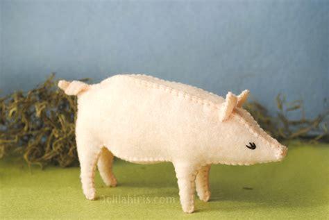 pattern for felt pig felt pig sewing pattern delilah iris