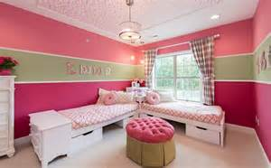 Cute bedroom saving space with corner beds home decorating trends