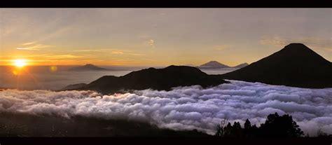 wallpaper di atas awan pesona 5 negeri di atas awan di bumi indonesia