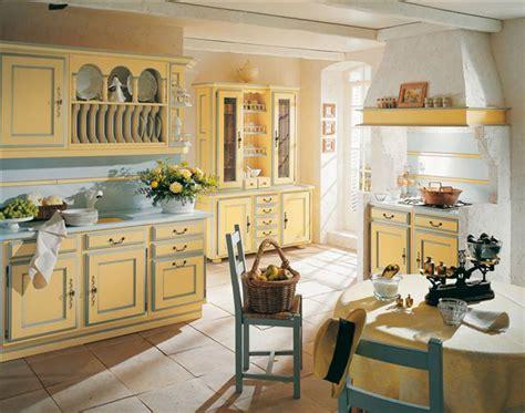 cuisine proven軋le jaune davaus deco pour cuisine provencale avec des id 233 es