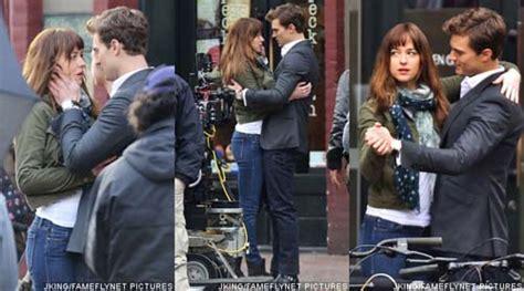 film fifty shades of grey yang kedua foto syuting adegan ciuman dakota johnson dan jamie dornan