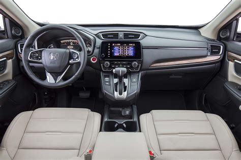 Honda Crv Interior Pictures by 2017 Honda Cr V Disappoints In Real Mpg City Results