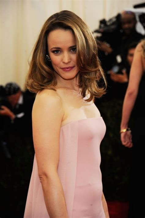 most flattering hairstyle for sagging neck 101 chic and stylish shoulder length hairstyles