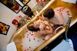 Paar Badewanne by Kurztrip Tipps Warum Zoff P 228 Rchen Keinen Wellness Urlaub