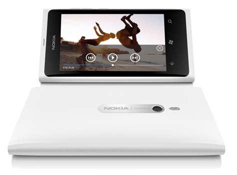 White Nokha white nokia lumia 800 officially launched releasing this