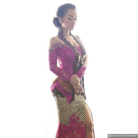 Model Rambut R A Kartini by Pakai Kebaya Di Hari Kartini Rok Sobek Perez